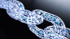 Трехмерная нарисованная цепь, где в звеньях написаны названия криптовалют